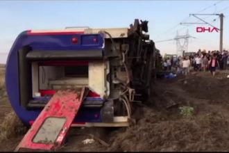 Accident feroviar în Turcia. Sunt 24 de morți și 318 răniți