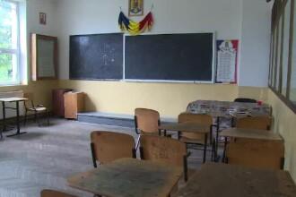 """Alertă la un liceu din Ploiești. Ce au descoperit jandarmii la un elev de 16 ani: """"Se comporta suspect"""""""