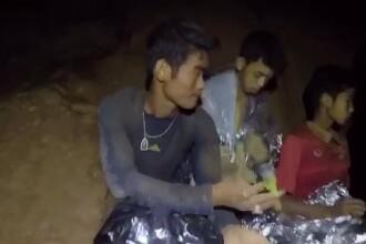 Drumul spre libertate al copiilor din Thailanda: 800 de metri, parcurși în întuneric, printre stânci tăioase