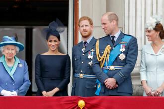 Paradă impresionantă la Londra. Familia regală a admirat de la balcon show-ul aviatic