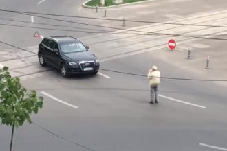 Motivul pentru care un șofer din Galați și-a pus mașina în mijlocul unei intersecții. VIDEO
