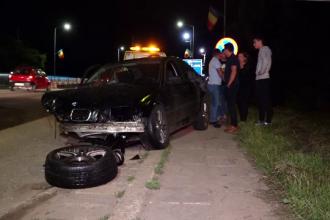 Două mașini s-au izbit frontal, la Cluj. Două persoane, în stare gravă
