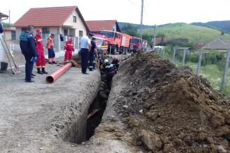 Un bărbat a murit, în timp ce lucra la rețeaua de canalizare. A fost acoperit de pământ