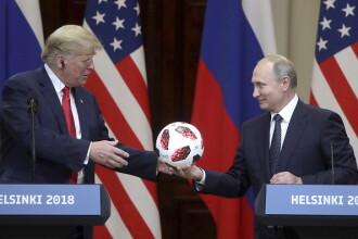 Mingea dăruită de Putin lui Trump conține un cip care poate transmite informații pe telefon