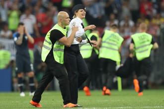 Pedeapsa primită de activistele de la Pussy Riot, după ce au intrat pe teren în finala Cupei Mondiale