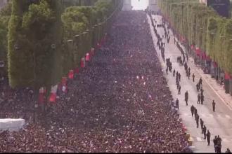 Sute de mii de francezi au sărbătorit pe Champs Elysee, luni, câștigarea CM 2018