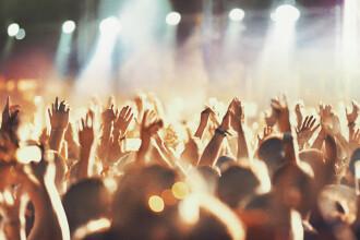 Străinii care participă la festivalurile de muzică din România, îndemnați de medici să se vaccineze