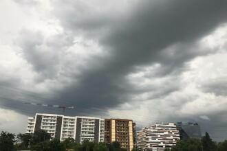 Atenționare meteo: COD GALBEN de vijelii și ploi torențiale în jumătate de țară