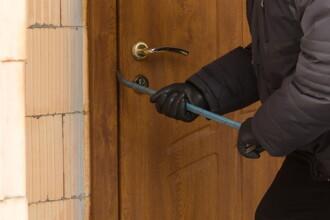 Descoperirea șocantă făcută de un hoț din Prahova după ce a pătruns într-o locuință