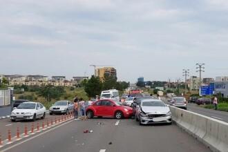 Accident cu 7 mașini la intrare în Constanța. Două femei au fost rănite ușor