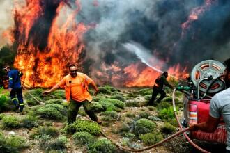 Cod roşu de risc de incendii în Grecia. Temperaturi de peste 40 de grade