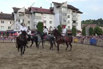 """Confruntare a cavalerilor, la Festivalul Sighișoara Medievală: """"Este Armată Neagră a lui Matei Corvin"""""""