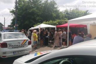 Zeci de persoane au blocat trotuarul și făceau gratar. Cum a intervenit Poliția