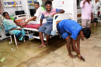 Spital din India, invadat de pești în urma unui muson
