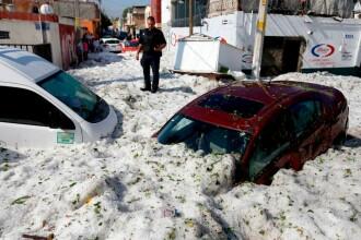 Imagini incredibile. Străzile din Guadalajara, acoperite cu gheață la 30 de grade Celsius