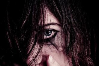 Primul viol s-a petrecut când tânăra avea doar 10 ani. Agresorul, şeful secţiei de poliţie