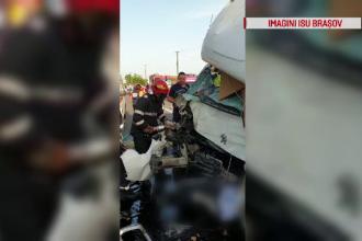 Ciocnire între o utilitară şi un camion, pe o şosea din Braşov. Unul dintre şoferi a murit