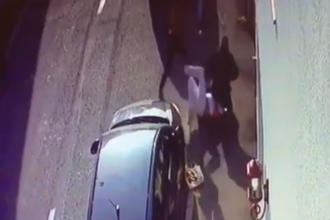Om de afaceri bătut cu levierul în plină stradă, la Târgu Jiu. Cine ar fi agresorii