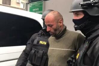 """Criminalul din Făget a fost prins. Individul susține că a ucis """"din cauza unei icoane"""""""