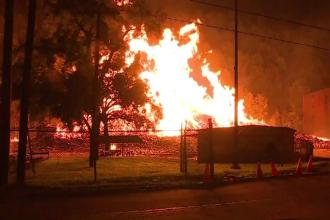 Incendiu provocat de un trăsnet. 45 de mii de butoaie care conţineau bourbon, făcute scrum