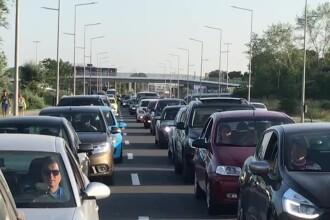 Trafic aglomerat pe A2, pe sensul spre București. A avut loc și o tamponare cu 3 mașini