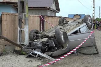 Un copil de 12 ani a condus o mașină cu volan pe dreapta. Tragedia oribilă care a urmat