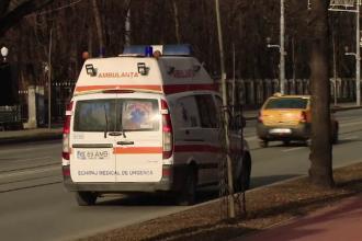 Medici de pe ambulanță atacați cu toporul de bărbatul care i-a chemat în ajutor, în Botoșani