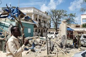 Masacru comis de jihadişti într-un hotel din Somalia. Sunt cel puţin 26 de morţi