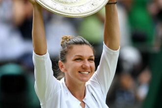 Simona Halep se întoarce în ţară cu trofeul de la Wimbledon. Câţi bani îi ia statul din premiu