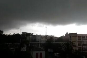 Alertă de vreme severă! Cod galben de ploi torenţiale în 22 de județe