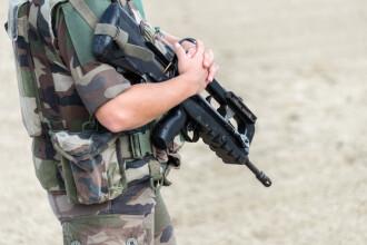 Un militar francez s-a sinucis cu arma de serviciu chiar de Ziua Naţională