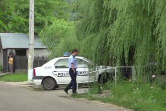 Un alt poliţist a fost atacat în Timiş. Un bărbat l-ar fi înjunghiat în picior