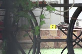 Un vasluian şi-a ucis în bătaie prietenul, la terasă. L-a lovit cu halba, apoi cu scaunul