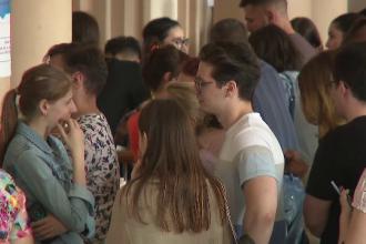 Facultatea care oferă calea sigură de a pleca din țară, luată cu asalt de absolvenți