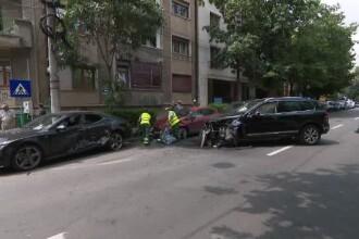 Ministrul Cuc, rănit la braț după ce șoferul său a făcut o depășire neregulamentară