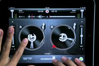 iLikeIT. Aplicaţiile care te transformă în DJ folosind doar telefonul