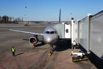 Alertă la bordul unui avion. Mai mulți răniți, în urma evacuării pe un aeroport din Moscova
