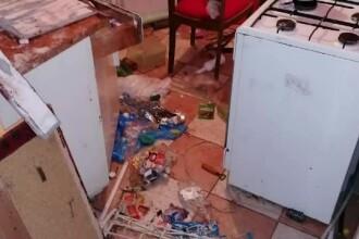 Urșii flămânzi fac pagube în gospodăriile din Balvanyos: uși rupte și frigidere distruse