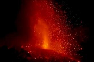 Momentul în care Etna erupe din nou. Aeroporturi închise din cauza norului de cenușă