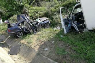 Accident cumplit în Olt. Un mort și patru tineri răniți