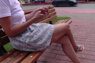 Situație neobișnuită. O adolescentă a cerut ajutor Protecției Copilului din cauza mamei ei