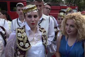 Motivul pentru care o albaneză a atras toate privirile la un festival din Buzău