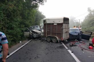 Accident foarte grav, pe o şosea din Arad. Sunt 3 victime