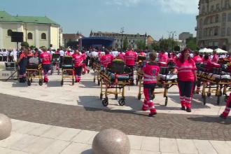Motivul pentru care zeci de medici s-au adunat cu ambulanțele în centrul orașului Oradea