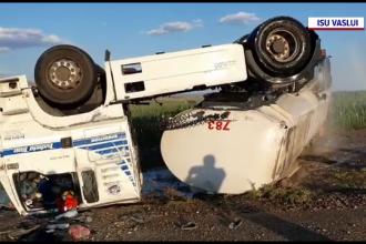 Pericol de explozie pe șoseaua dintre Huşi şi Albița. O cisternă plină cu motorină s-a răsturnat