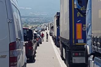 Grecia ia în calcul crearea unui flux separat pentru autoturismele înmatriculate în statele UE