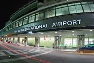 VIDEO. Incident șocant la aeroport. O femeie, lovită cu pumnul în față de un polițist
