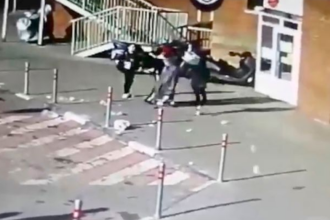 Fetiță de 4 ani, cu craniul spart, după ce o sticlă de șampanie i-a căzut în cap de la 70 de metri. Ce s-a întâmplat