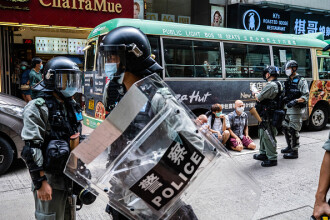 """China """"asfixiază libertatea de exprimare"""" în Hong Kong. Acuzații dure din partea UE"""