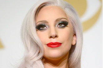 Lady Gaga, apariție îndrăzneață pe străzile din Malibu